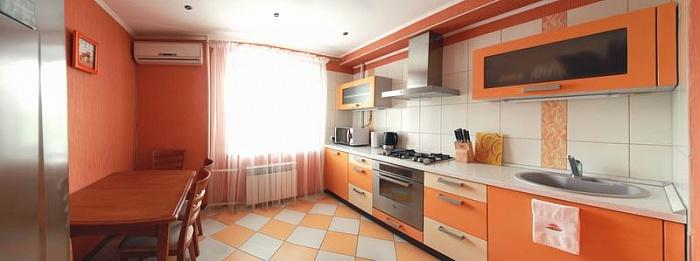 1-комнатная квартира посуточно в Николаеве. Заводской район, ул. Наваринская, 15. Фото 1
