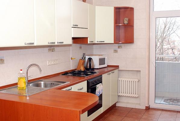 2-комнатная квартира посуточно в Донецке. Ворошиловский район, ул. Артема, 84а. Фото 1