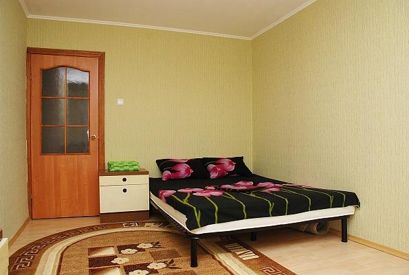 1-комнатная квартира посуточно в Киеве. Оболонский район, ул. Тимошенко, 1-Г. Фото 1