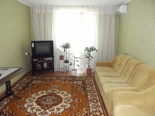 1-комнатная квартира посуточно в Феодосии. ул. Чкалова, 115. Фото 1