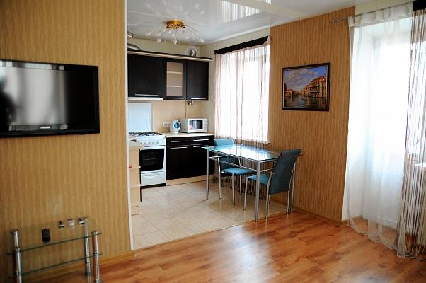1-комнатная квартира посуточно в Донецке. Ворошиловский район, ул. Университетская, 7а. Фото 1