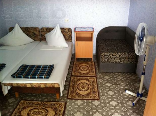 1-комнатная квартира посуточно в Севастополе. Нахимовский район, п.Кача, ул. Первомайская, 27. Фото 1