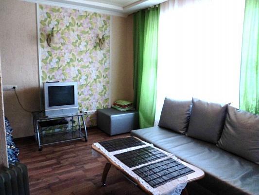 1-комнатная квартира посуточно в Макеевке. мкр. Солнечный, 29. Фото 1
