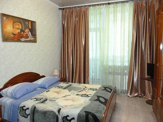 2-комнатная квартира посуточно в Кривом Роге. Саксаганский район, ул. Отто Брозовского, 54. Фото 1