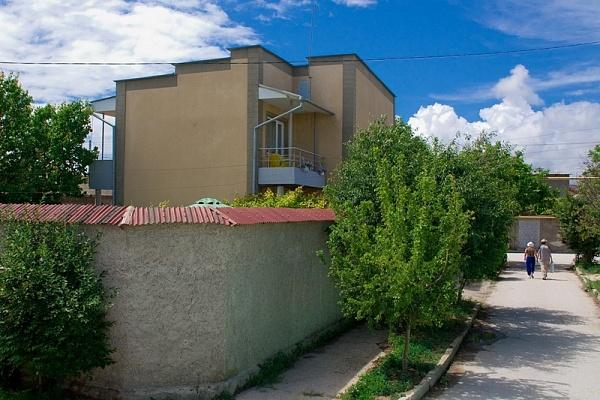 Дом  посуточно в Евпатории. ул. Слободская, 51А. Фото 1