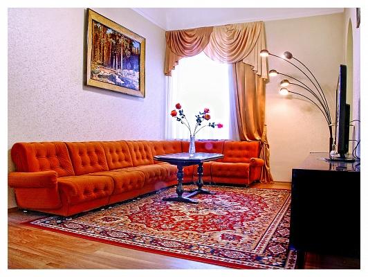 4-комнатная квартира посуточно в Одессе. Приморский район, пер. Вице-Адмирала Жукова, 4. Фото 1