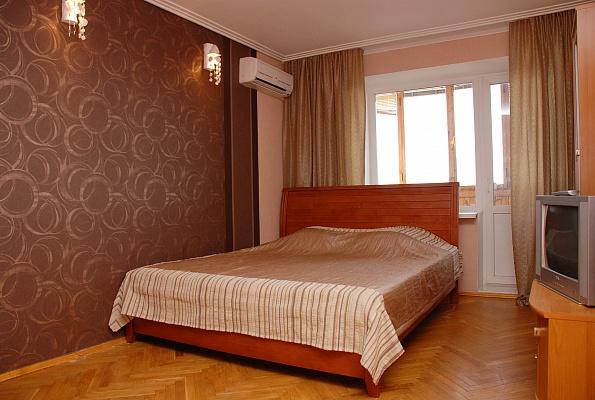 1-комнатная квартира посуточно в Киеве. Оболонский район, ул. Тимошенко, 12. Фото 1