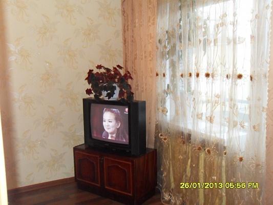2-комнатная квартира посуточно в Каменце-Подольском. ул. Князей Кориатовичей, 9. Фото 1