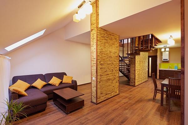 2-комнатная квартира посуточно в Львове. Лычаковский район, ул. Личаковская, 6. Фото 1