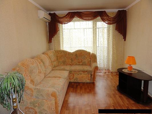 2-комнатная квартира посуточно в Никополе. ул. Электрометаллургов, 36. Фото 1
