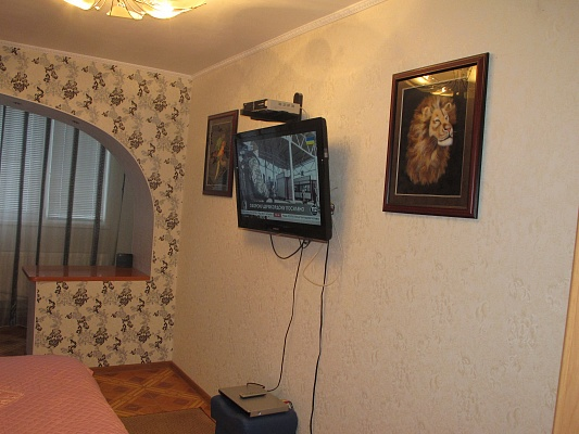 2-комнатная квартира посуточно в Новой Каховке. ул. Пионерская, 42. Фото 1