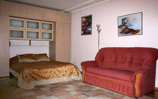1-комнатная квартира посуточно в Тернополе. ул. Живова, 14. Фото 1