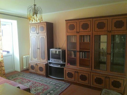 2-комнатная квартира посуточно в Кременчуге. пер. Героев Бреста, 45. Фото 1