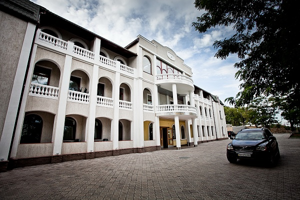 Мини-отель  посуточно в Мариуполе. б-р Приморский, 19. Фото 1