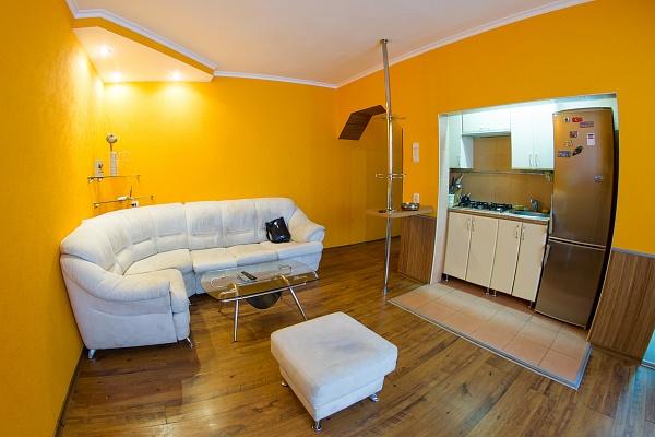 2-комнатная квартира посуточно в Харькове. Дзержинский район, ул. Клочковская, 152А. Фото 1