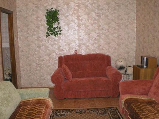 1-комнатная квартира посуточно в Луганске. Ленинский район, ул. Коцюбинского, 19А. Фото 1