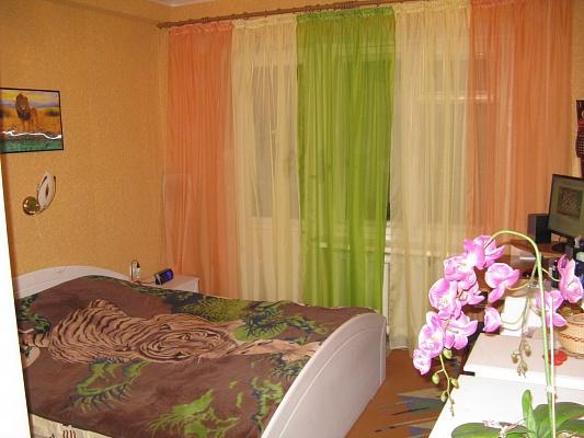 2-комнатная квартира посуточно в Горловке. пр-т Победы, 140. Фото 1