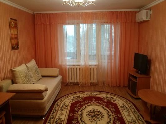 1-комнатная квартира посуточно в Евпатории. ул. Фрунзе, 23. Фото 1