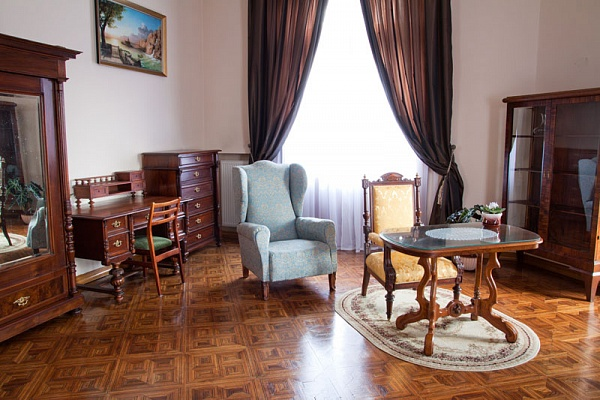 2-комнатная квартира посуточно в Львове. Галицкий район, ул. Соборная, 2. Фото 1