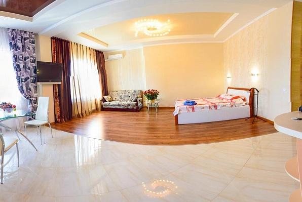 1-комнатная квартира посуточно в Харькове. Краснозаводской район, 1-й Конной Армии, 9. Фото 1
