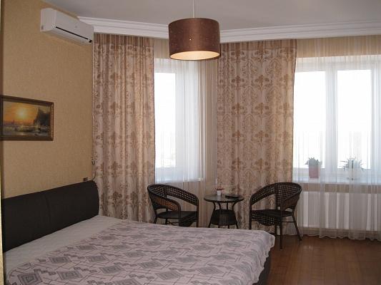 1-комнатная квартира посуточно в Ильичёвске. пер. Хантадзе, 4. Фото 1