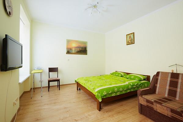 1-комнатная квартира посуточно в Львове. Галицкий район, пл. Рынок, 12. Фото 1