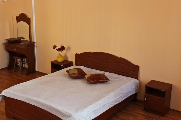 3-комнатная квартира посуточно в Львове. Галицкий район, ул. Огиенка, 17. Фото 1