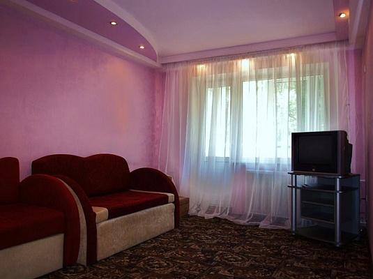1-комнатная квартира посуточно в Донецке. Киевский район, Розы Люксембург, 109а. Фото 1