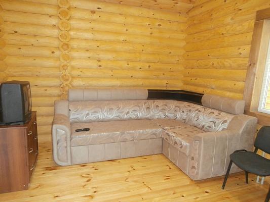 1-комнатная квартира посуточно в Энергодаре. ул. Приднепровская, 28. Фото 1