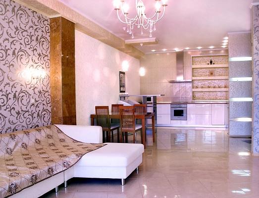 2-комнатная квартира посуточно в Одессе. Приморский район, ул. Тенистая, 9\12. Фото 1