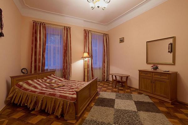 1-комнатная квартира посуточно в Львове. Галицкий район, ул. Колессы, 13. Фото 1