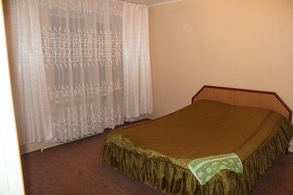 2-комнатная квартира посуточно в Шостке. ул. Щедрина, 5. Фото 1