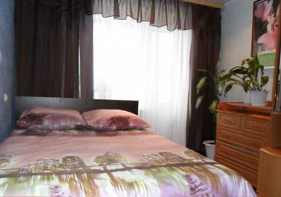 2-комнатная квартира посуточно в Херсоне. Днепровский район, ул. Гагарина, 4. Фото 1