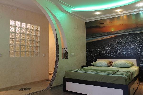 1-комнатная квартира посуточно в Кривом Роге. Саксаганский район, ул. Тесленко, 18. Фото 1