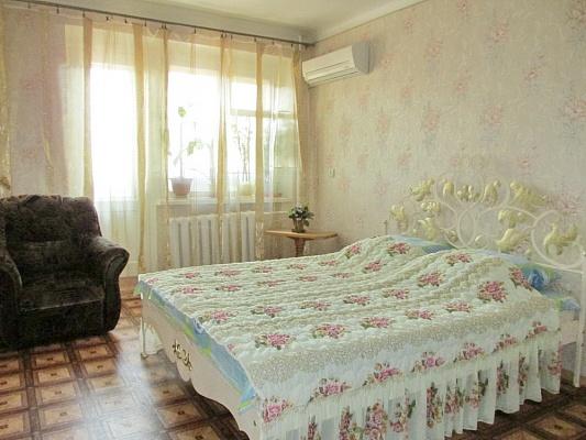 1-комнатная квартира посуточно в Бердянске. ул. Мазина, 21. Фото 1