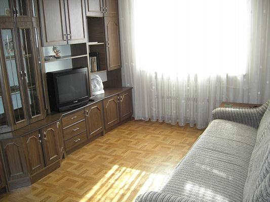 2-комнатная квартира посуточно в Хмельницком. ул. Вайсера, 4. Фото 1