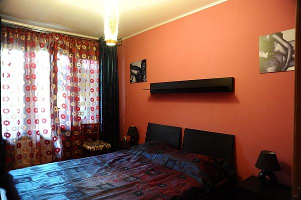 3-комнатная квартира посуточно в Евпатории. ул. 60 лет ВЛКСМ, 16. Фото 1