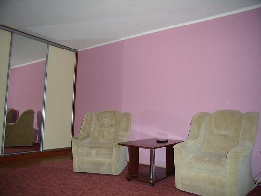 1-комнатная квартира посуточно в Черкассах. ул. Ленина, 5. Фото 1