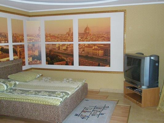 1-комнатная квартира посуточно в Херсоне. Суворовский район, ул. Украинская, 3. Фото 1