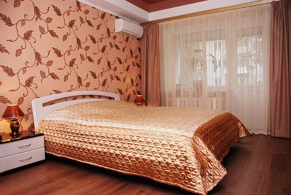 1-комнатная квартира посуточно в Киеве. Соломенский район, ул. Гарматная, 40. Фото 1
