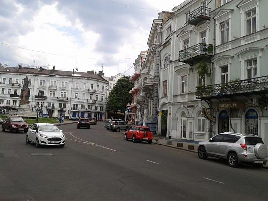 2-комнатная квартира посуточно в Одессе. Приморский район, пл. Екатерининская, 9. Фото 1