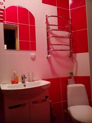 2-комнатная квартира посуточно в Каменце-Подольском. ул. Зарванская, 5. Фото 1