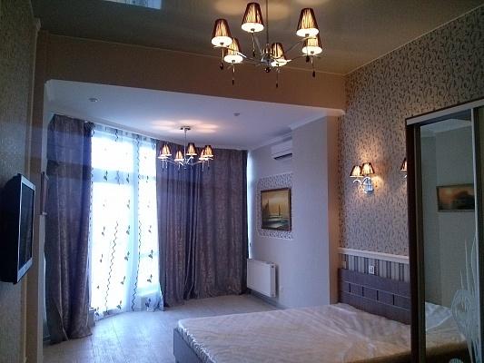 1-комнатная квартира посуточно в Алуште. ул. Набережная, 16. Фото 1
