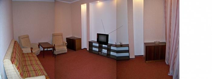 1-комнатная квартира посуточно в Николаеве. Центральный район, ул. Московская, 40. Фото 1