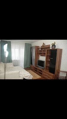 1-комнатная квартира посуточно в Донецке. Ворошиловский район, ул. 50 лет СССР, 112. Фото 1