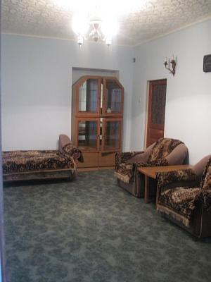1-комнатная квартира посуточно в Симферополе. Киевский район, ул. Воровского, 32. Фото 1