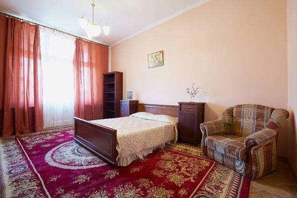 1-комнатная квартира посуточно в Львове. Галицкий район, ул. Б. Хмельницького, 11. Фото 1