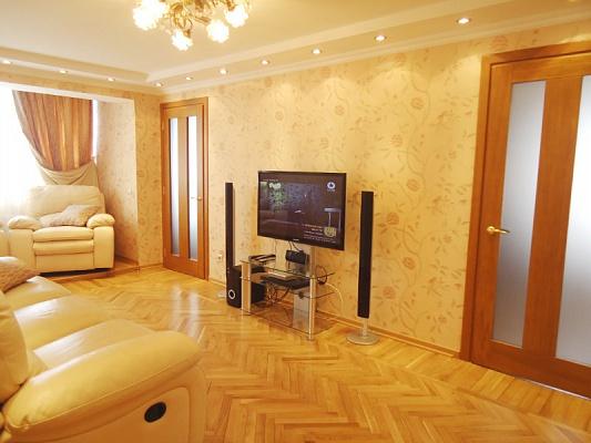 3-комнатная квартира посуточно в Одессе. Приморский район, ул. Торговая, 1. Фото 1
