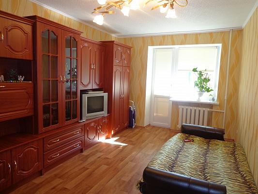 1-комнатная квартира посуточно в Макеевке. Объединенный, кв-л 57, 2. Фото 1