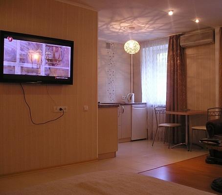 1-комнатная квартира посуточно в Донецке. Ворошиловский район, ул. Университетская, 31. Фото 1